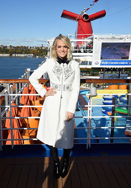 Carrie Underwood For Carnival Vista Photos And Images Getty Images - Cruise ship costume
