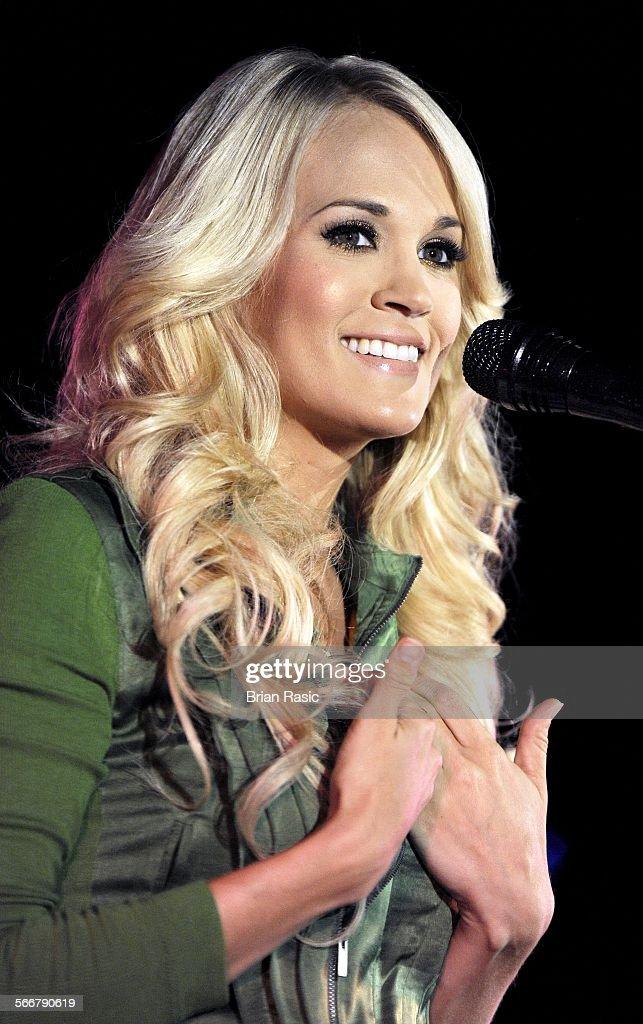 som är Carrie Underwood dating nu Dejting kontrak 21