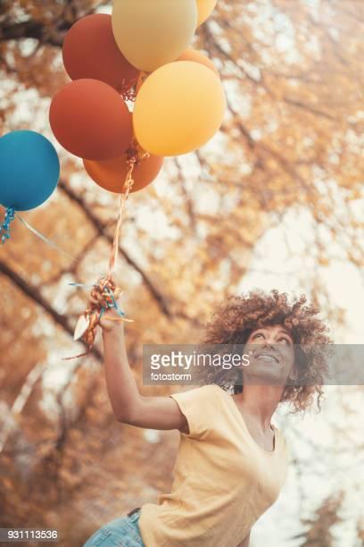 transporteras med vinden - flying solo after party bildbanksfoton och bilder