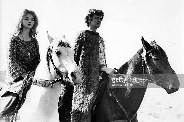 Carriere Matthieu Schauspieler D zu Pferd im Film 'Pforten zum Paradies' mit Pauline Challoner 1967