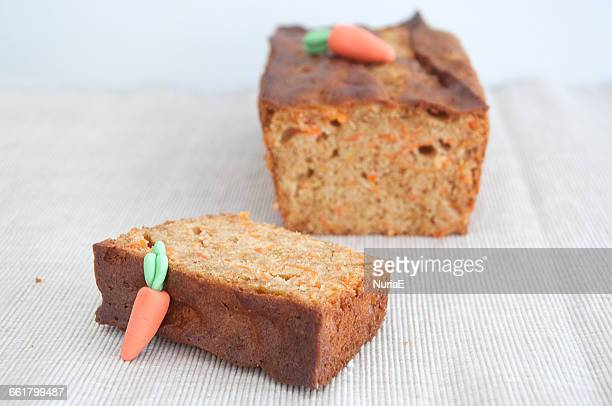 carrot cake slice - carrot cake stock pictures, royalty-free photos & images