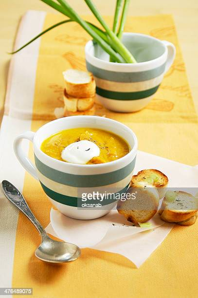 Carrot soup with thyme