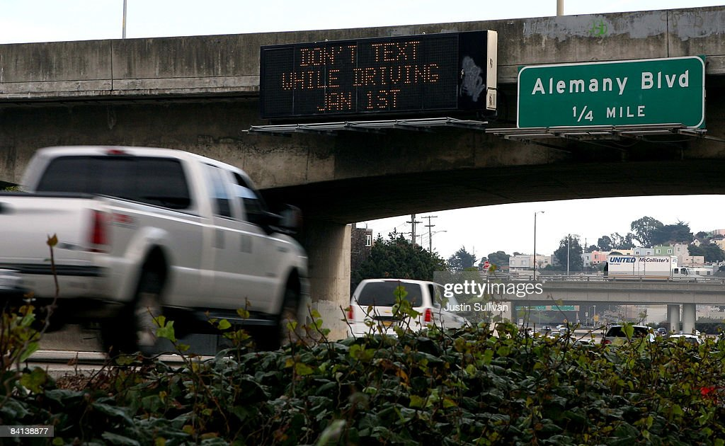 California To Outlaw Texting While Driving In 2009 : News Photo