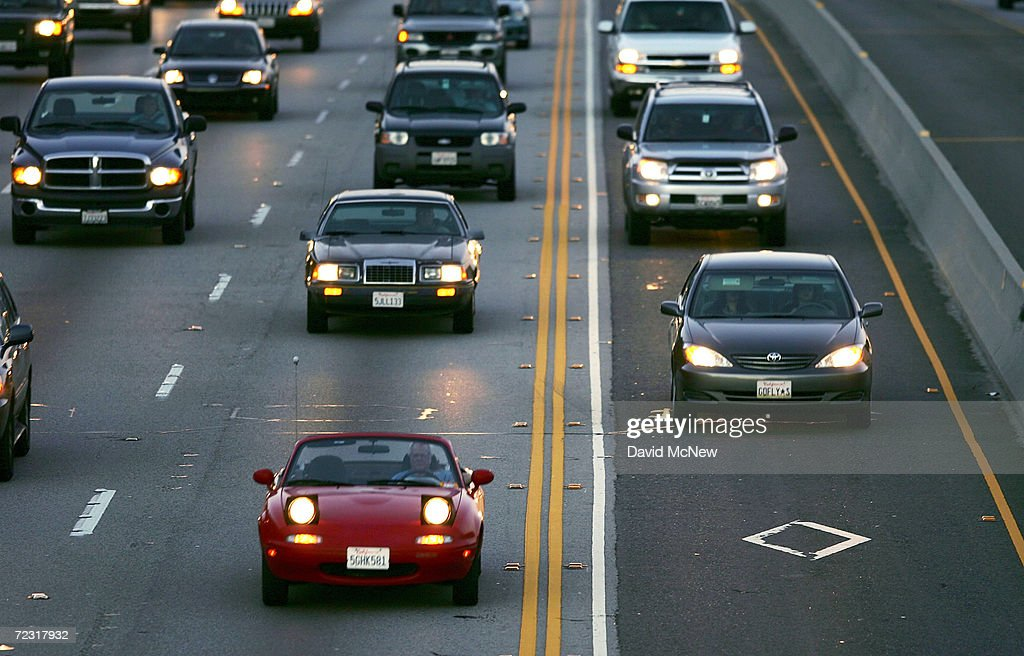 California Pushes For New Highway Law : ニュース写真