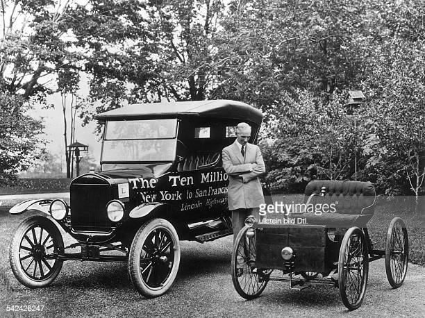 Cars Henry Ford I with his Ford Model T undated probably 1910 Vintage property of ullstein bild