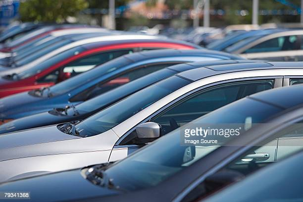 cars in parking lot - large group of objects stock pictures, royalty-free photos & images