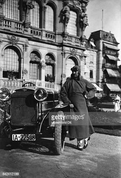 Cars Mr Rettig in a car driver's coat designed by Stavropolus leaning on his Hispano Suiza car 1924 Photographer Atelier Binder Published by 'Die...