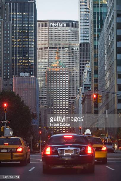 cars on park avenue, new york, usa - metlife building stock pictures, royalty-free photos & images