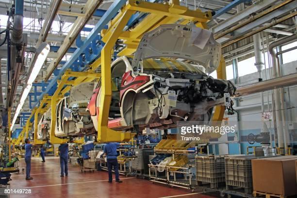 Auto's op de productielijn
