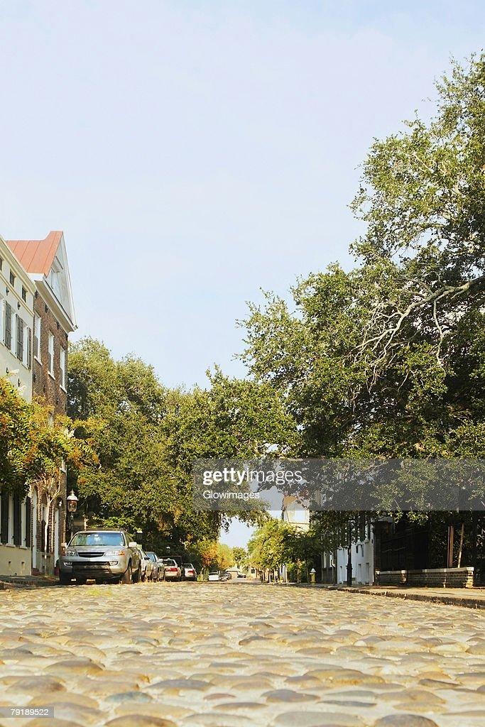 Cars parked on the street, Charleston, South Carolina, USA : Foto de stock