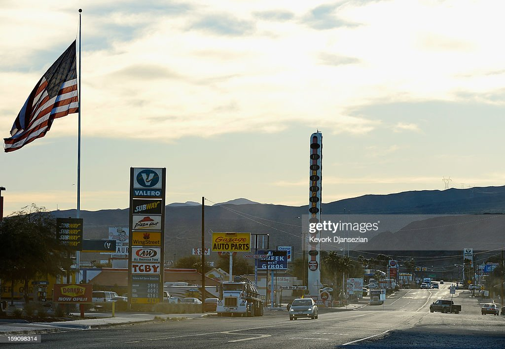 Cars pass by the world's tallest thermometer on January 7, 2013 in Baker, California. The 134-foot thermometer billed as the world's tallest thermometer has been put up for sale with an asking price of $1.75 million.