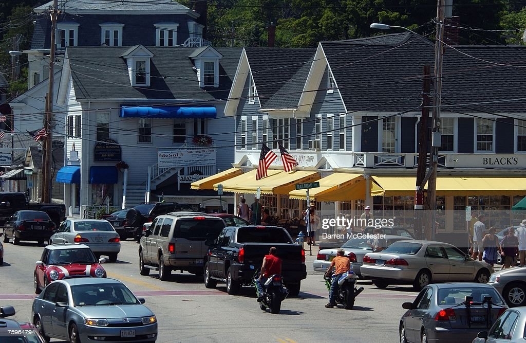 French President Plans New Hampshire Vacation : News Photo