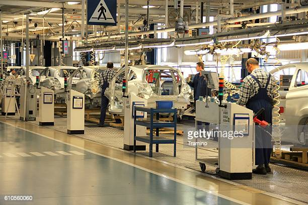 cars production line - ford motor company stock pictures, royalty-free photos & images