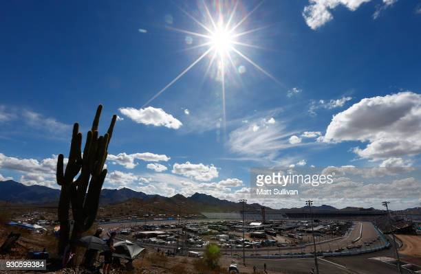 Cars race during the Monster Energy NASCAR Cup Series TicketGuardian 500 at ISM Raceway on March 11, 2018 in Avondale, Arizona.