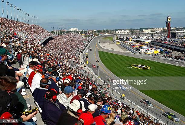 Cars race during the NASCAR Sprint Cup Gatorade Duels 150 at Daytona International Speedway on February 14, 2008 in Daytona Beach, Florida.