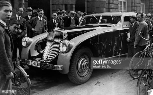 Cars The new streamlined Maybach 'Zeppelin' 1932 Vintage property of ullstein bild