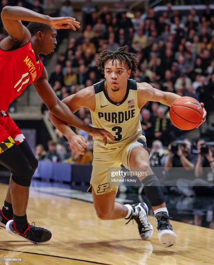 c06177a23e3 Carsen Edwards of the Purdue Boilermakers drives to the basket ...
