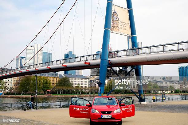 Carsharing wird in den Ballungszentren immer beliebter Bild Ein Seat Mii der Firma 'Bookndrive' am Holbeinsteg in Frankfurt Die Firma 'Bookndrive'...