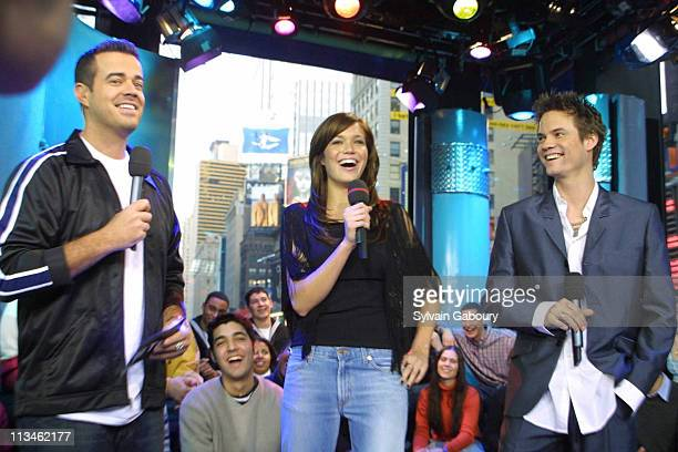 Carson Daly Mandy Moore Shane West during Mandy Moore and Shane West Promote A Walk to Remember at MTV's TRL in New York New York United States