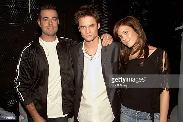 Carson Daly Shane West and Mandy Moore during MTV's TRL at the MTV studios in New York City 1/17/02 Photo by Scott Gries/ImageDirect