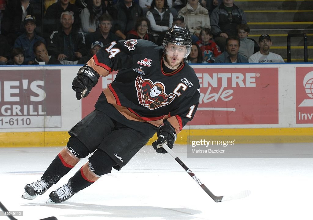 carson-mcmillan-of-the-calgary-hitmen-sk