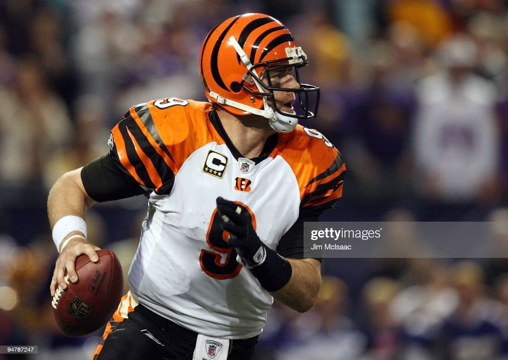 Carson Palmer #9 of the Cincinnati Bengals looks to pass against the Minnesota Vikings on December 13, 2009 at Hubert H. Humphrey Metrodome in Minneapolis, Minnesota.