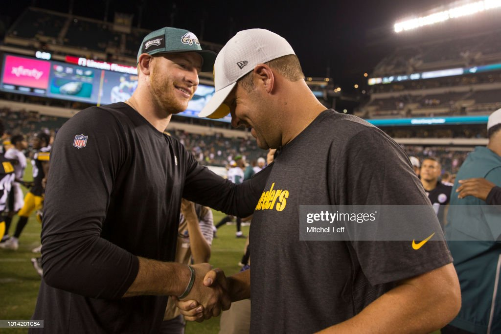 Carson Wentz #11 of the Philadelphia Eagles shakes hands with Ben Roethlisberger #7 of the Pittsburgh Steelers after the preseason game at Lincoln Financial Field on August 9, 2018 in Philadelphia, Pennsylvania. The Steelers defeated the Eagles 31-14.