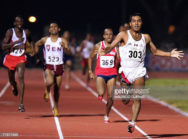 Juan Luis Barrios de Mexico cruza la meta al ganar los 1500 mts llanos obteniendo la medalla de Oro durante los XX Juegos Centroamericanos y del...