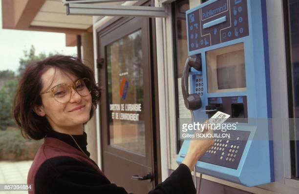 Carte Blanche' de paiement municipal en Gironde automate de rechargement en mai 1991 a Blagnac France
