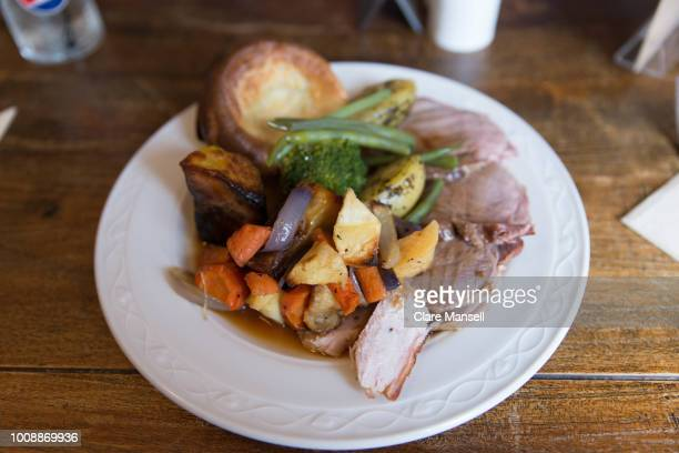 carvery lunch - roast dinner stock pictures, royalty-free photos & images
