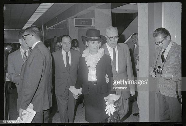 Cary Grant Divorced Los Angeles California Actress Dyan Canon and her attorney Frank Belcher stop for a few words with the press upon arriving at...