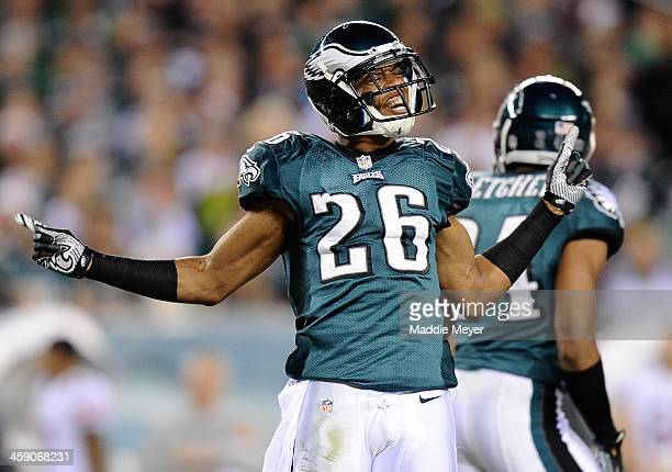 Cary Williams of the Philadelphia Eagles celebrates after breaking up a pass during the third quarter against the Chicago Bears at Lincoln Financial...