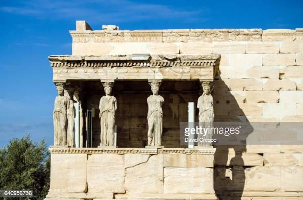 caryatids - mitologia greca foto e immagini stock