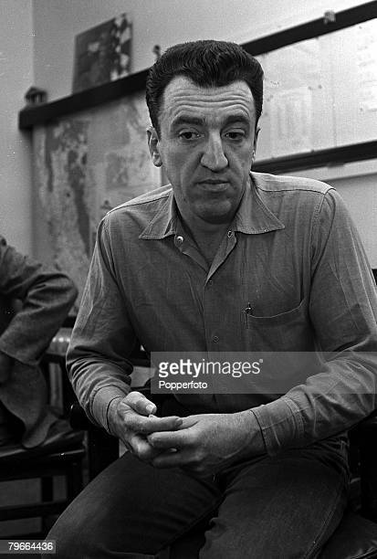 Caryl Chessman who was convicted on 17 counts of robbery kidnapping and rape in San Quentin Prison California USA 17th February 1960 He was due to be...