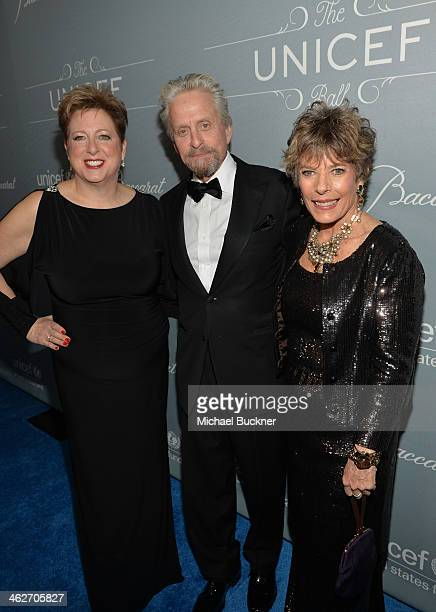 Caryl Stern President CEO US Fund for UNICEF United Nations Messenger of Peace Michael Douglas recipient of the Danny Kaye Humanitarian Peace Award...