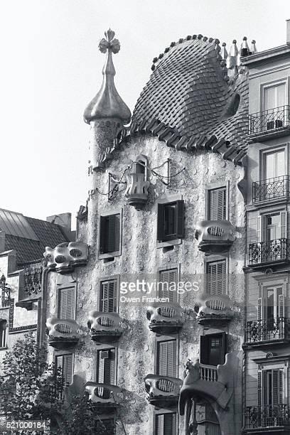 casa batllo in barcelona - casa stockfoto's en -beelden
