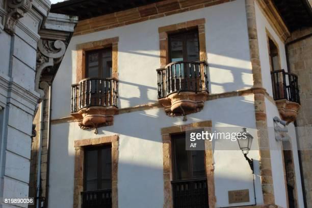 casa de la rua oviedo, asturias, spain - rua stock-fotos und bilder