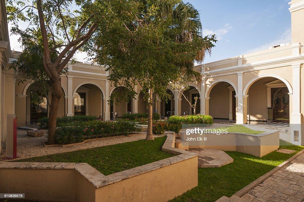 Casa De Montejo In Merida Mexico Stock Photo - Getty Images