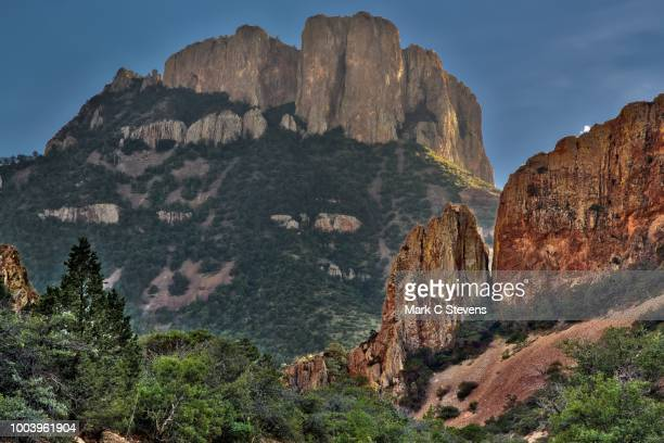 casa grande peak and the chisos mountains - chisos mountains stock pictures, royalty-free photos & images
