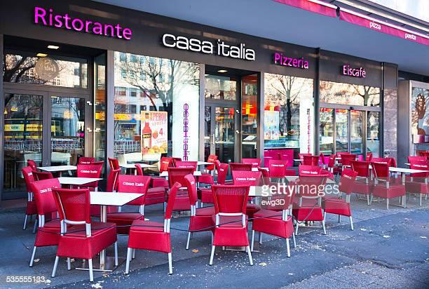 カサイタリア-「ウンターデンリンデンベルリン - italia ストックフォトと画像