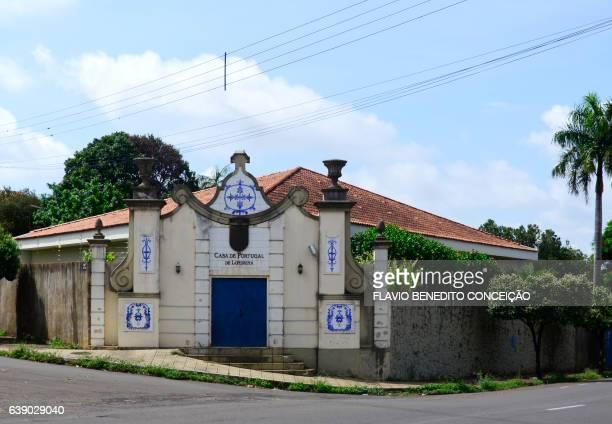 casa portuguesa em londrina no brasil - cultura portuguesa stock pictures, royalty-free photos & images
