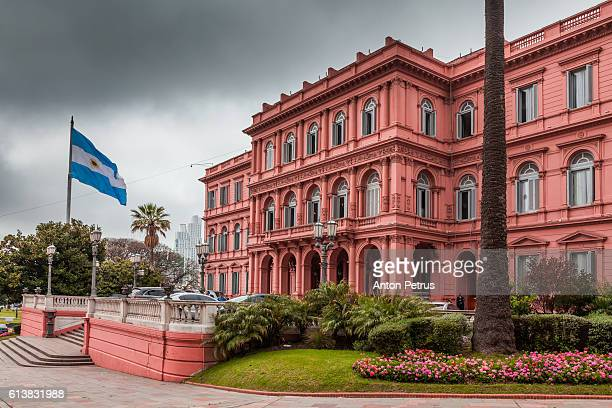 casa rosada, plaza de mayo, buenos aires, argentina. - argentina fotografías e imágenes de stock