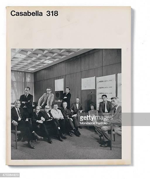 """""""Casabella, No. 318, September 1967, 20th century, Arnoldo Mondadori Editore, Milan, 24.5 x 31 cm. Whole artwork view. Group photo. """""""