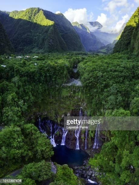 cascade de langevin (grand galet) - ile de la réunion - isla reunion fotografías e imágenes de stock