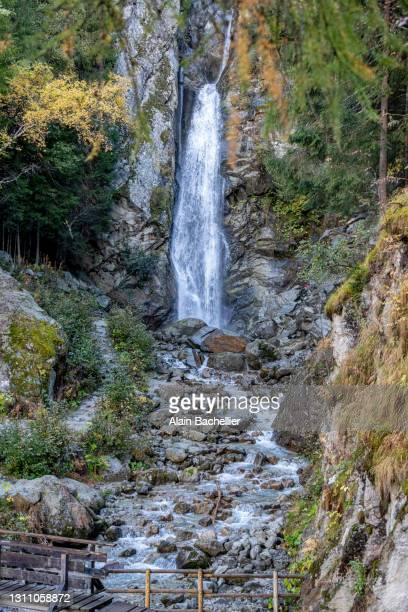 cascade du dard - alain bachellier photos et images de collection