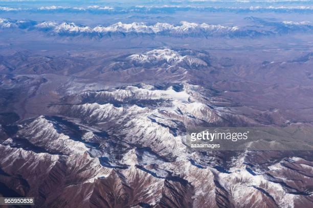 cascade mountain range,aerial shot - cascade range stock pictures, royalty-free photos & images