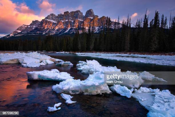 cascade mountain winter sunrise - bow river stock pictures, royalty-free photos & images