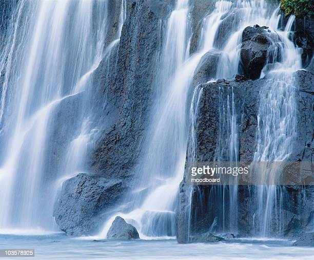 cascade waterfall - freshwater stock pictures, royalty-free photos & images