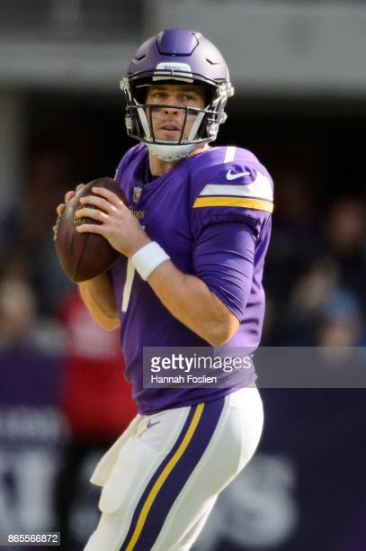Case Keenum of the Minnesota Vikings looks to pass the ball against the Baltimore Ravens during the game on October 22 2017 at US Bank Stadium in...