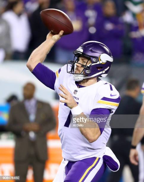 Case Keenum of the Minnesota Vikings warms up prior to the NFC Championship game against the Philadelphia Eagles at Lincoln Financial Field on...